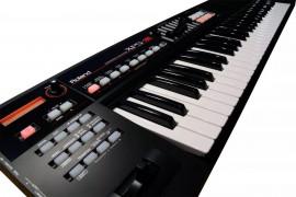 Sintetizador Roland XPS-10 61 Teclas com Fonte Bivolt